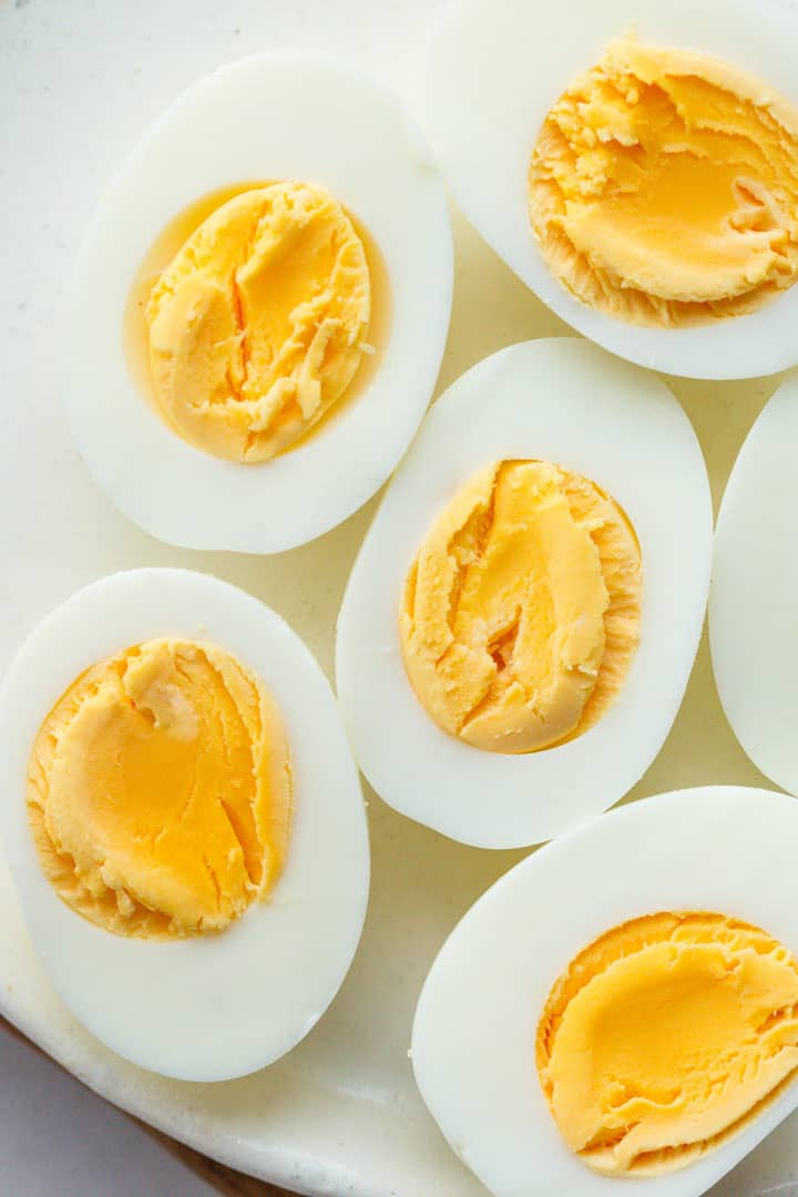 Perfectly cooked hard boiled eggs in the instant pot
