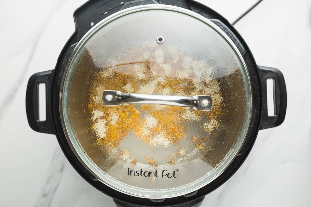 Popcorn covered with Instant Pot glass lid